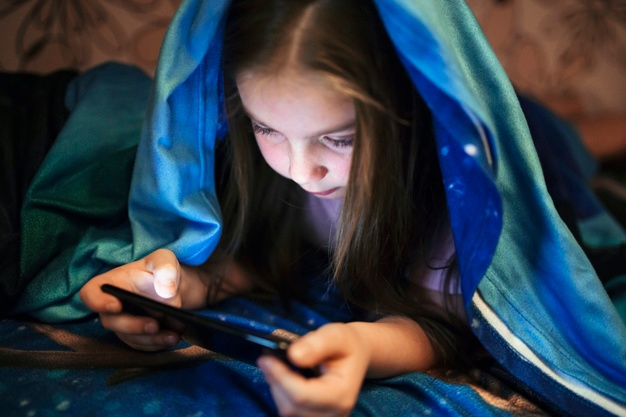 children-digital-screen-time-healthy-manage-1